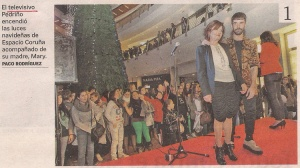 2012-12-01- La Voz de Galicia- Pedriño y su madre- Espacio Coruña 1