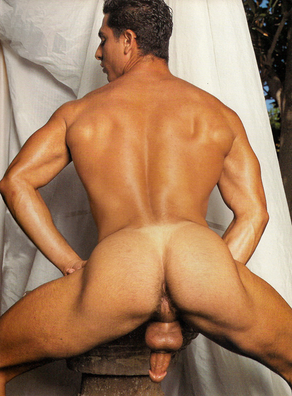Peleas entre dos desnudos en uno