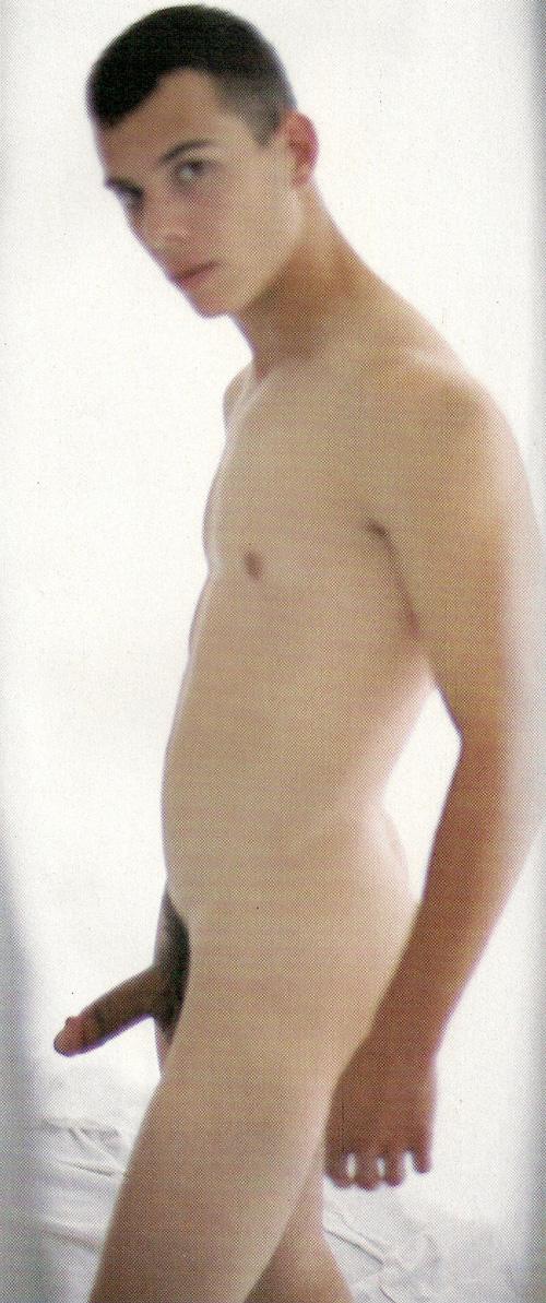 Chico desnudo 1