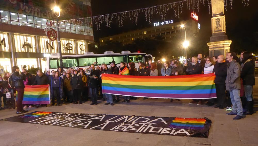 2017-01-11-concentracion-contra-la-homofobia-canton-grande