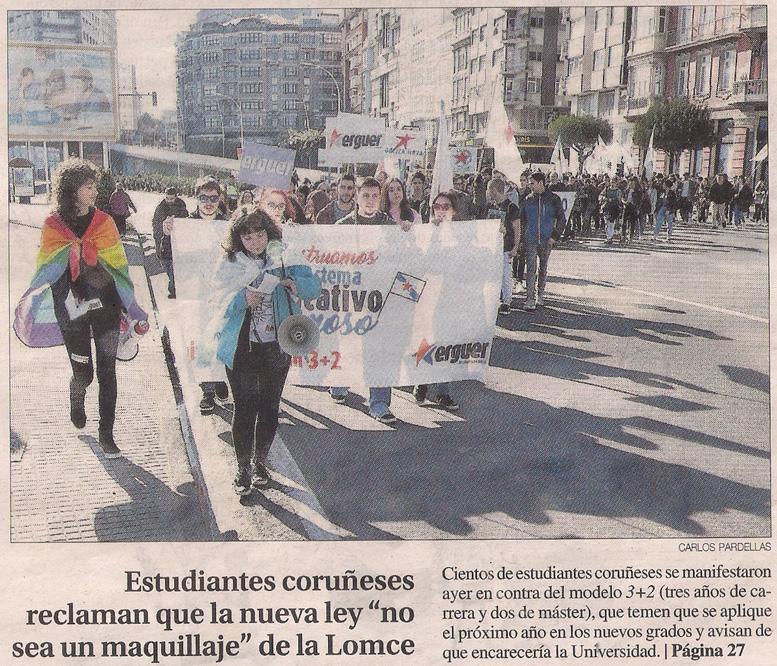 2017-02-17-la-opinion-protesta-de-estudiantes-bandera-orgullo-gay